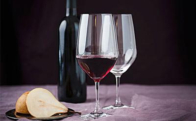 红酒和记制作公司如何进行选择?